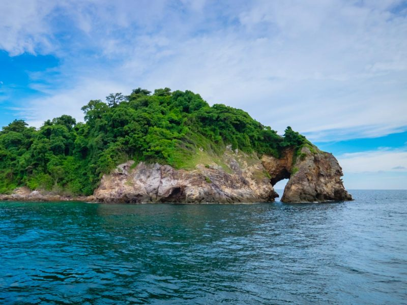 09-เกาะทะลุ